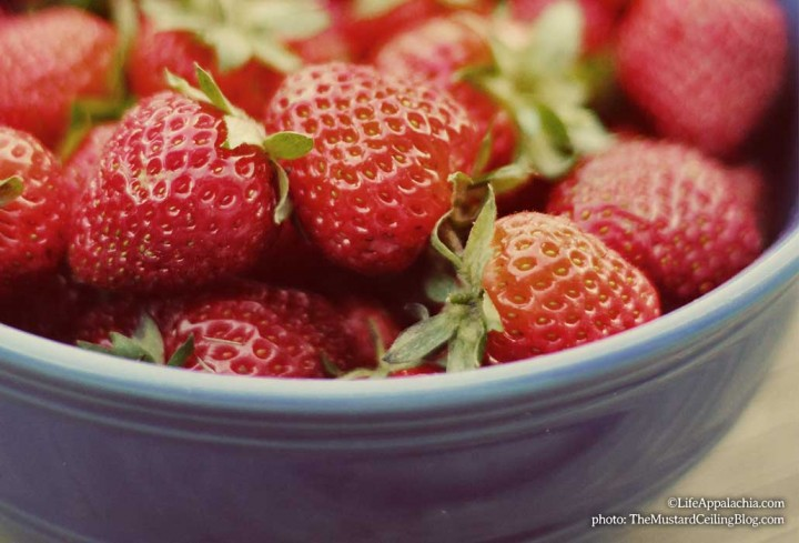 A Simple Strawberry Jam Recipe With 3 Ingredients